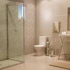 Banheiro grande com porcelanato cd49 original